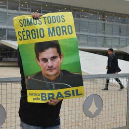 160318023652_sp_sergio_moro_protesto_640x360_ag.brasil_nocredit