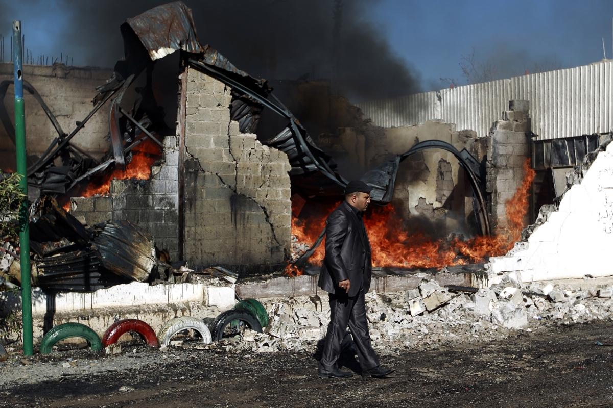 story trumps first terror raid killed american soldier women children yemen