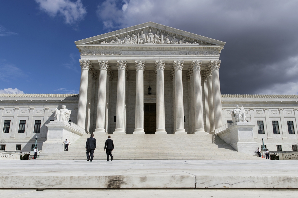 a look at the supreme court and the death penalty The us supreme court refused to hear the death penalty plea of thomas arthur, an alabama inmate who argued that his state's lethal injection procedures constitute cruel and unusual punishment.