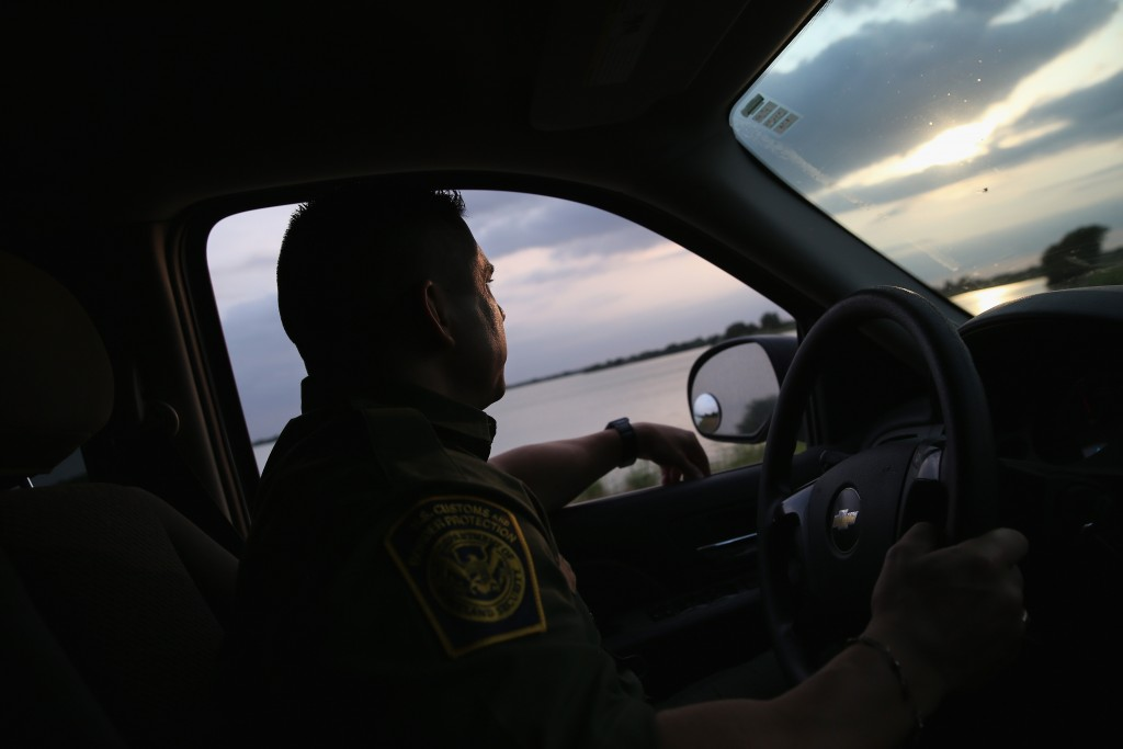 """""""They're Taking Everybody"""" — Videos Show Texas Troopers Ripping Apart Immigrant Families During Traffic Stops"""