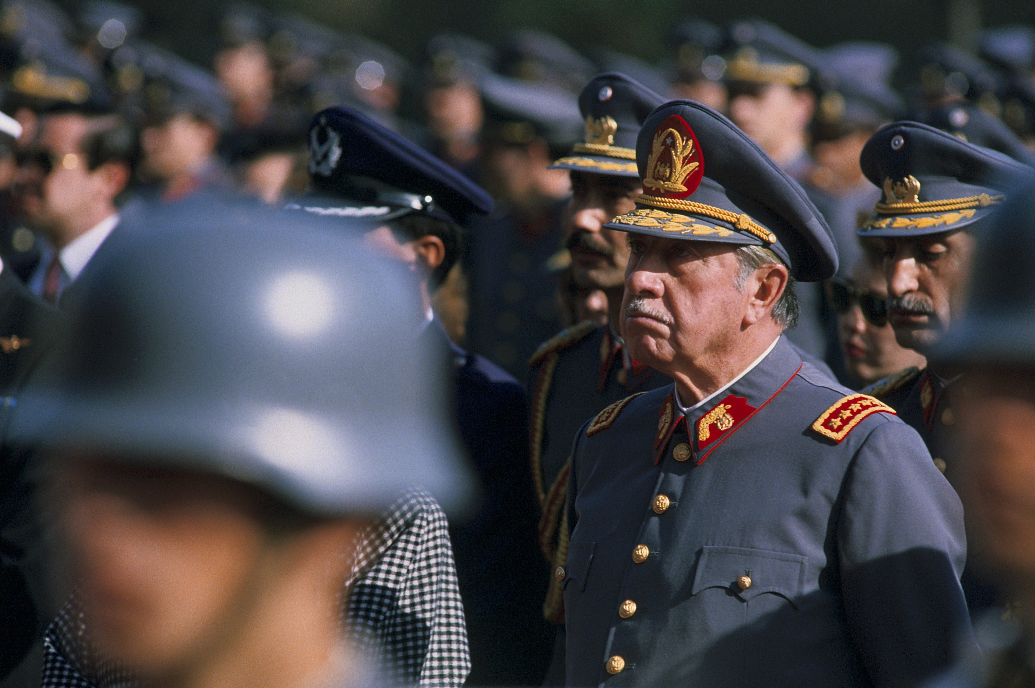 CHILE - SEPTEMBER 10:  Burial of 4 guards killed in failed assassination attempt on Augusto Pinochet On September 10th, 1986 In Santiago,Chile  (Photo by Alexis DUCLOS/Gamma-Rapho via Getty Images)