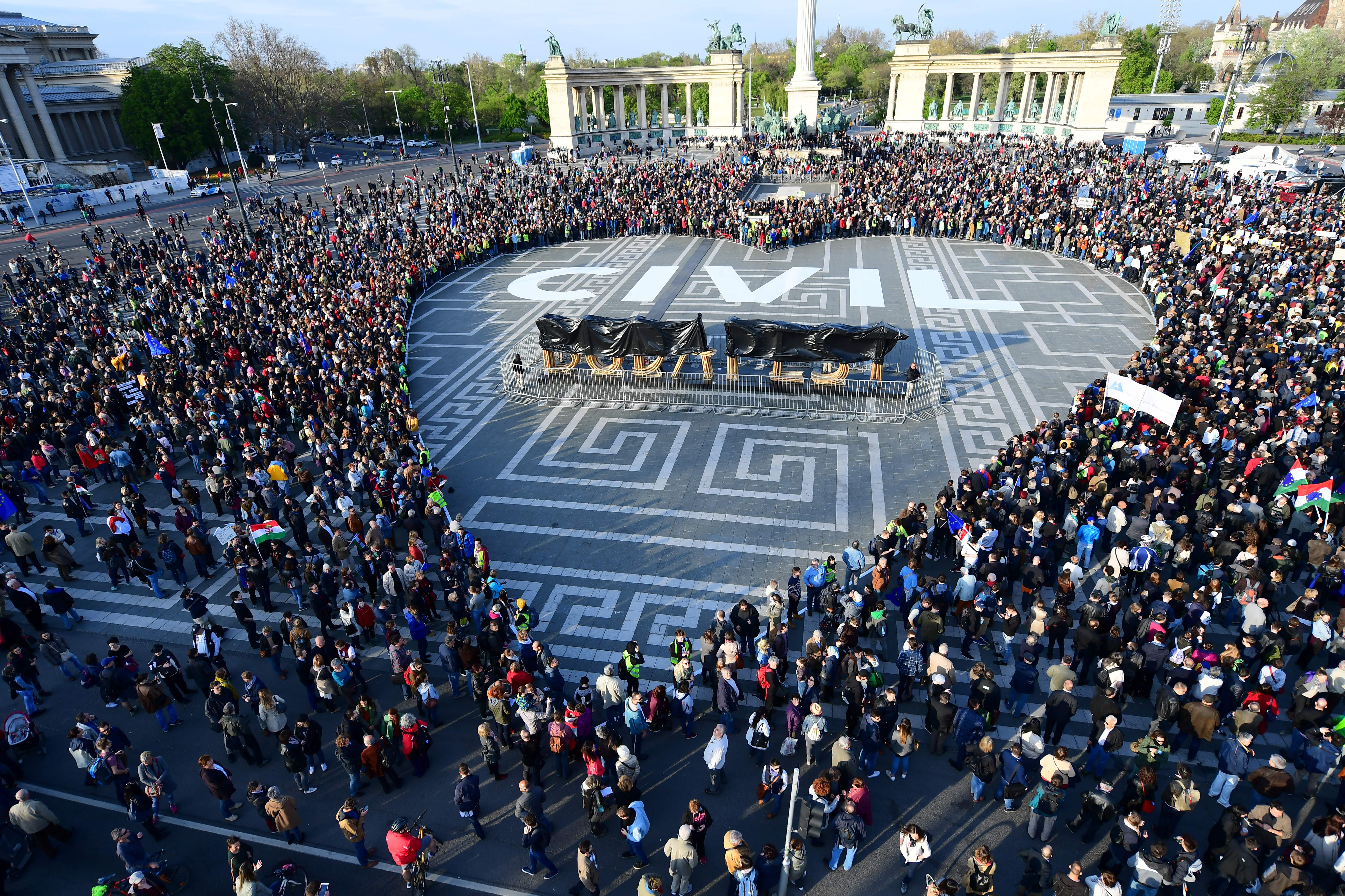 HUNGARY-POLITICS-LAW-EDUCATION-DEMONSTRATION